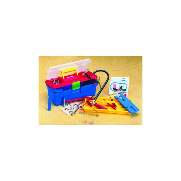 Værktøjssæt i Plastic værktøjskasse