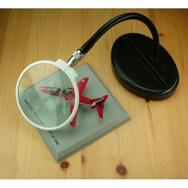 Flexi-Neck magnifier
